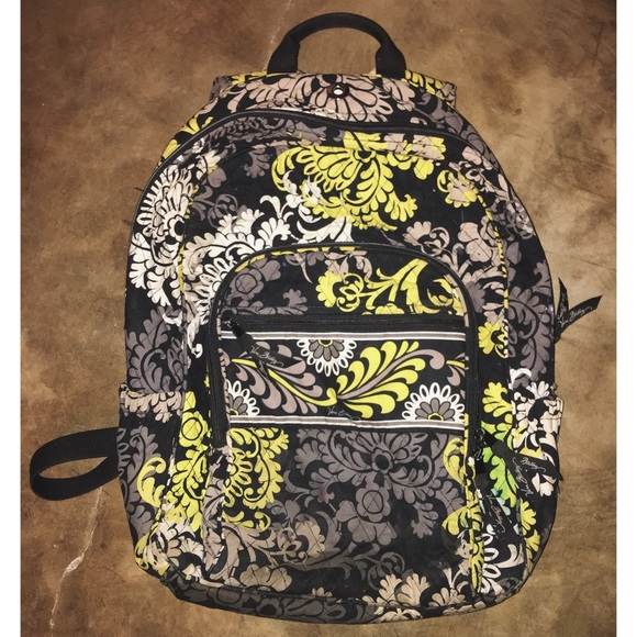 a8d600d8dba8 Baroque Vera Bradley Backpack 🌟RETIRED PATTERN🌟.  M 5b1724d8534ef97e9762b064